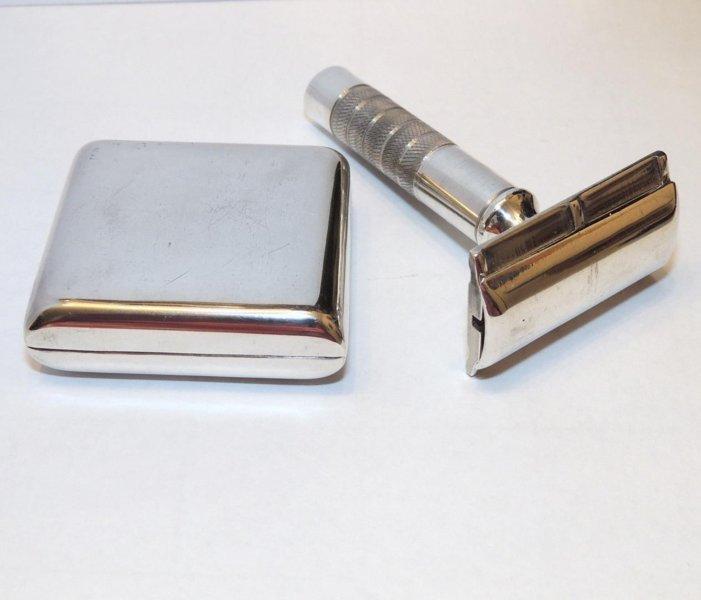vintage-reyna-sterling-silver-safety_1_32b57e8f3d2ca90512db510bd247f3c8 (1).jpg